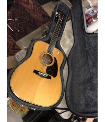 1980 Ibanez V320 Acoustic Guitar. Made in Japan - nice shape with case